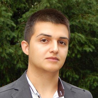 Viktor Lyaskov1